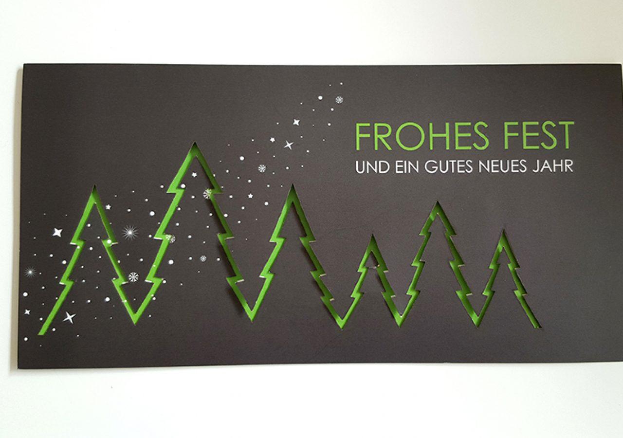 Weihnachtskarte mit Lasercut-Veredelung