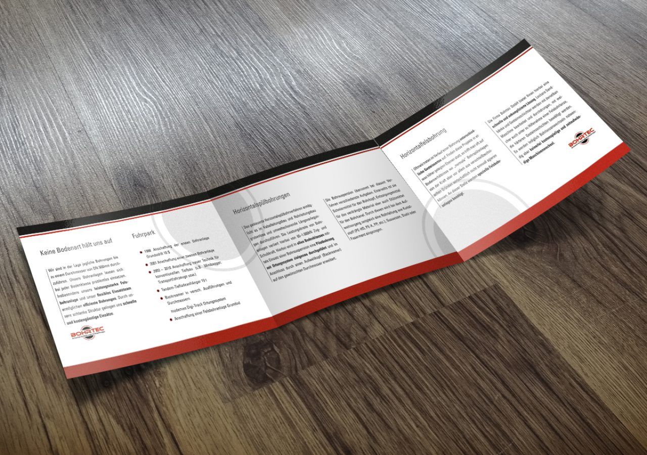 Gestaltung quadratische Broschüre